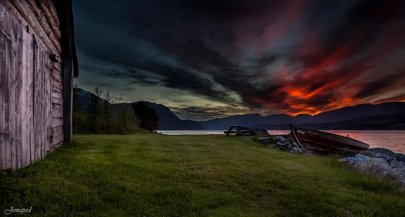 Midnatt på Gloppefjorden/Midnight in the Gloppen Fjord
