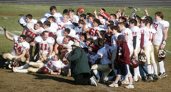 Danvers: Gloucester celebrates it's win over Danvers.<br /> Staff photo/Amy Sweeney