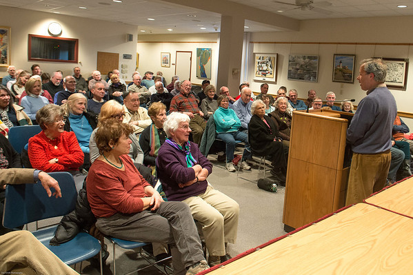 """DESI SMITH/STAFF Photo    Former Boston Globe editor Ben Bradlee Jr who spent 10 years working on his biography of Red Sox slugger Ted Williams, talks his book """"The Kid"""" at the Rockport Public Library Wednesday night.   April 16,2014"""