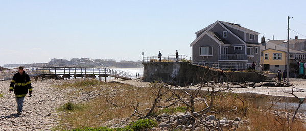 ALLEGRA BOVERMAN/Staff photo. Gloucester Daily Times. Rockport: People search along Long Beach on the Rockport side next to Cape Hedge Beach in the vicinity where Caleigh Harrison, 2 1/2, of Gloucester, went missing on Thursday.