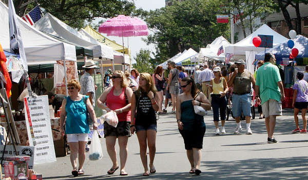 ALLEGRA BOVERMAN/Staff photo. Gloucester Daily Times. Gloucester: Downtown Gloucester during Sidewalk Days on Thursday.