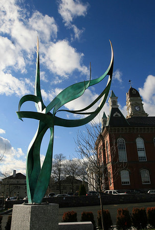 ALLEGRA BOVERMAN/Staff photo. Gloucester Daily Times. Gloucester: A new sculpture has been installed on Thursday morning at the new Cape Ann Sculpture site next to City Hall.