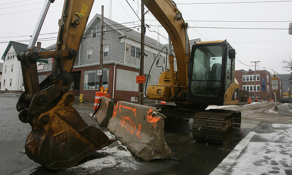Gloucester: Prospect Street remains closed between Maplewood Avenue and Dale Avenue as work continues on the combined sewer overflow project. The section of road was supposed to be closed for two weeks, but has remained closed for well over a month. Photo by Kate Glass/Gloucester Daily Times
