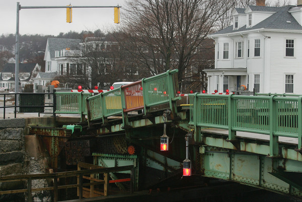 Gloucester: The Blynman Bridge was closed after it got stuck with about a two foor gap Friday afternoon. Mary Muckenhoupt/Gloucester Daily Times