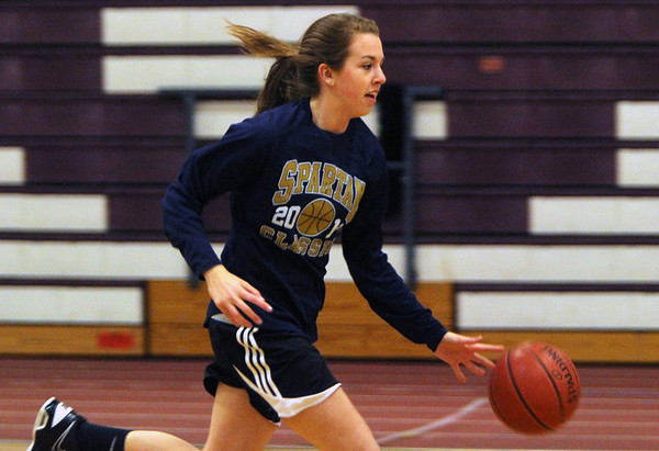 ALLEGRA BOVERMAN/Staff photo.Gloucester Daily Times. Gloucester: Gloucester's Sophie Black in action during the girls varsity basketball team practice on Monday.