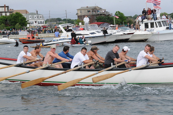 Gloucester:Seize the Moment heads to the beach beating Kaos in the Senior Seine Boat Race,Sunday afternoon. Desi Smith Photo/Gloucester Daily Times. June 28,2009