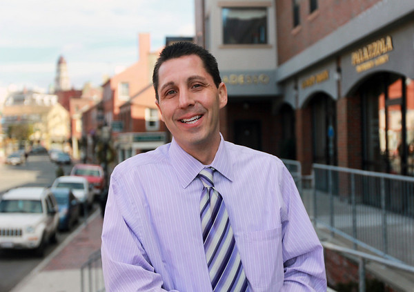 ALLEGRA BOVERMAN/Staff photo. Gloucester Daily Times. Gloucester: Robert Heidt, new director of the Cape Ann Chamber of Commerce.
