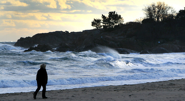 ALLEGRA BOVERMAN/Staff photo. Gloucester Daily Times. Manchester: The surf at Singing Beach was very rough on Friday following stormy weather.