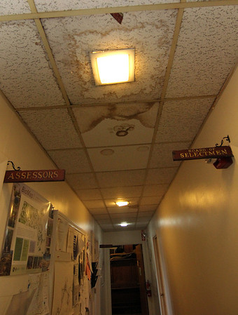 ALLEGRA BOVERMAN/Staff photo. Gloucester Daily Times. Essex: The lighting throughout Essex Town Hall needs improvements.