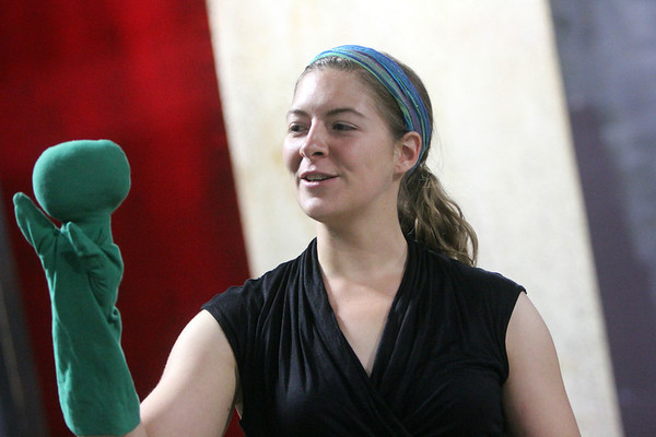 """Allegra Boverman/Staff photographer. Gloucester Daily Times. Gloucester: Roxie Myhrum, artistic director of the Puppet Showplace Theatre of Brookline, gave a puppeteering workshop at the Gloucester Stage Company's Youth Acting Workshops on Friday. She also coached the actors in the GSC's current production of """"Carnival."""""""