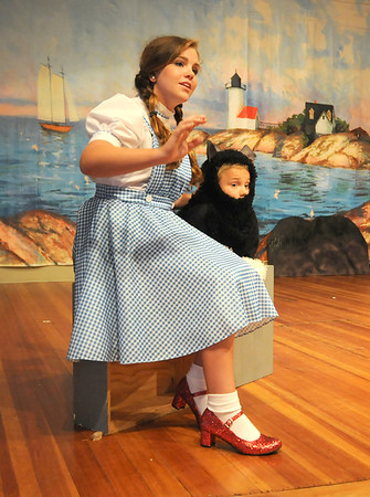 """Gloucester: Teaghan Hagood as Dorothy and Levin Rudler as Toto in the  Annisquam Village Players production of """"THe Wizard of Oz. Jim Vaiknoras/staff photo"""