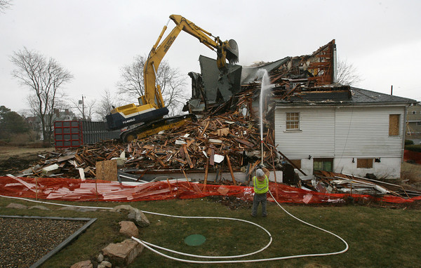 Gloucester: Two large abandoned homes on Cliff Road in Magnolia, including the former Shore Cliff Nursing Home, are being torn down to make room for condominiums, which will be built by Windover Construction. Photo by Kate Glass/Gloucester Daily Times