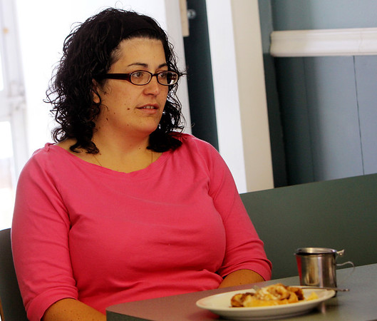 ALLEGRA BOVERMAN/Staff photo. Gloucester Daily Times. Gloucester: Allison Hammond of Gloucester talking about the disappearance of her daughter, Caleigh Harrison at Mamie's Kitchen on Friday morning.