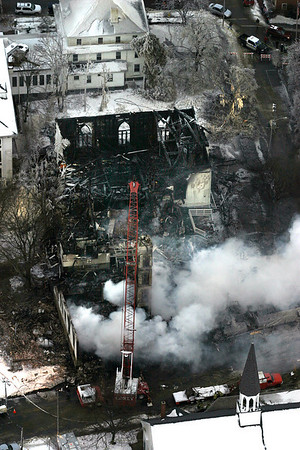 Gloucester: A fast moving 8-alarm fire destoryed the Lorraine Apartment building and Temple Ahavat on Middle Street early Saturday morning.<br /> Photo by Deborah Hammond/Gloucester Daily Times. Saturday, December 15, 2007
