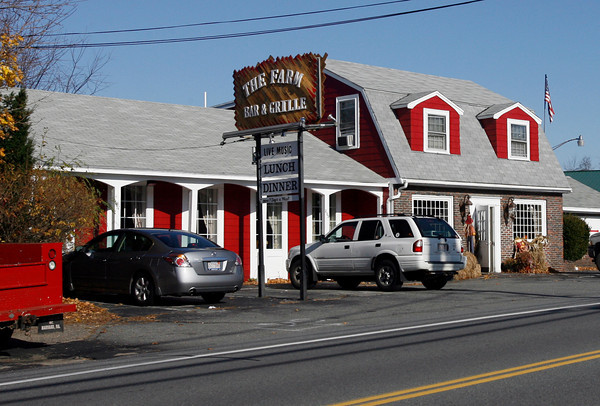 Essex: Essex Selectmen have cautioned owners of The Farm Bar & Grille in Essex to watch their noise levels after police recieved numerous complaints from neighbors. Photo by Kate Glass/Gloucester Daily Times Wednesday, November 17, 2009