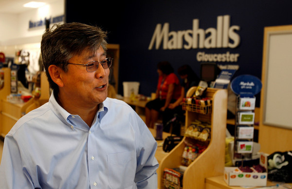 Gloucester: Sam Park says his daughter is very excited to shop at Marshalls which is the first store to open at Gloucester Crossing. Photo by Kate Glass/Gloucester Daily Times Monday, September 14, 2009