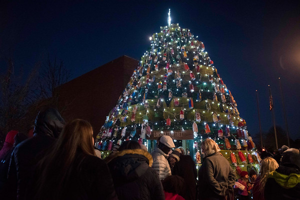 SAM GORESH/Staff photo. The Lobster Pot Christmas Tree in Police Station Plaza. 12/10/16