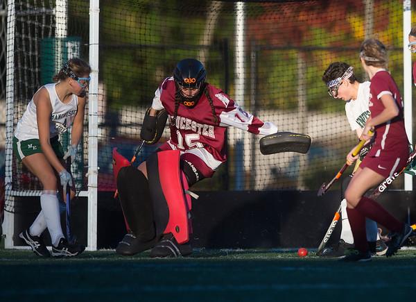 161104_GT_DSM_GirlsFieldHockey_1.jpg