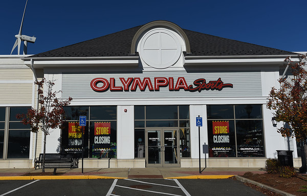 Olympia Sports in Gloucester Closing