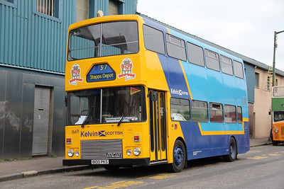 Preserved B100PKS Broad St Glas 1 Oct 13