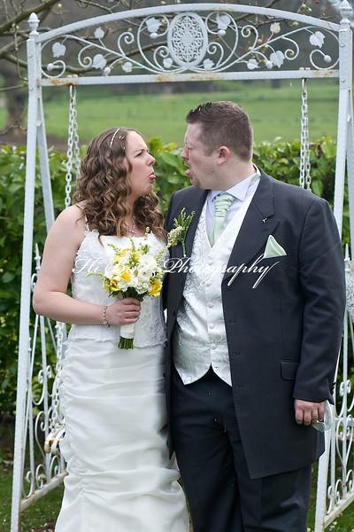 Bride & groom 2702.jpg