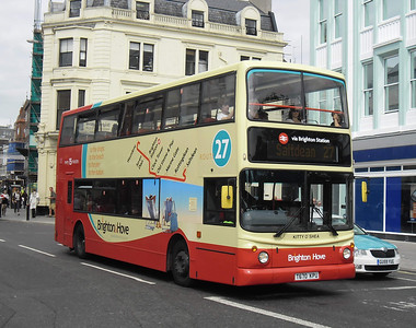 882 - T670KPU - Brighton (North St) - 31.8.11