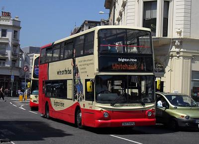 887 - T677KPU - Brighton (North St) - 4.6.10