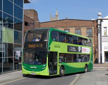 1588 - HW63FHK - Newport (bus station)
