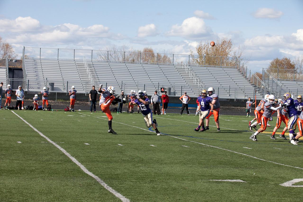 Cowboys V vs Huskies V   041