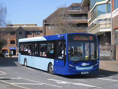 736 - SN12AAJ - Horsham (town centre) - 25.3.12