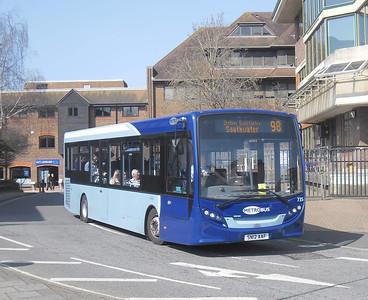 735 - SN12AAF - Horsham (town centre) - 25.3.12