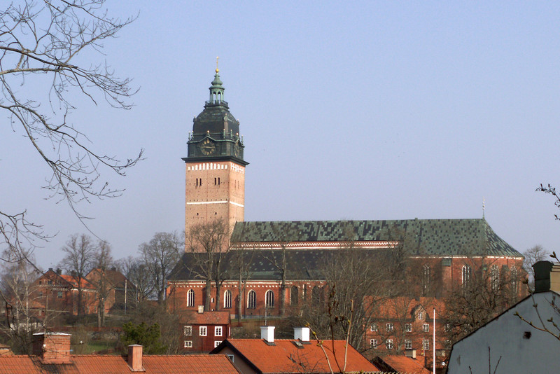 Strängnäs domkyrka (cathedral). Seen from Nabbkullen. 2007 March 30 @ 09:29