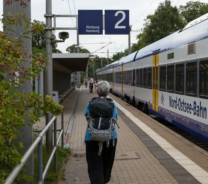 Glückstad at 17.50, arrival from Niebüll with NOB81725.