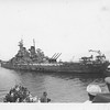 P00073 USS Taylor approaching Missouri in Tokyo Bay 2 Sept 1945