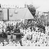 P00091 Crowded main deck, USS Missouri, 2 September, 1945