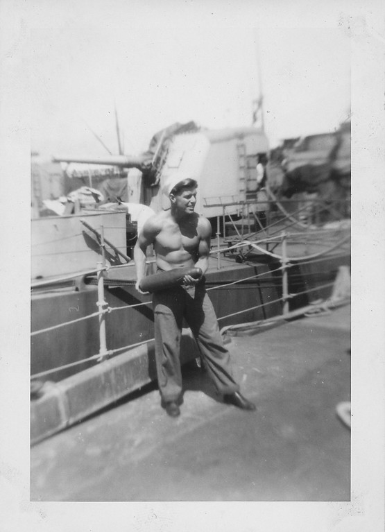 P00131 Sailor with projectile, port side main deck