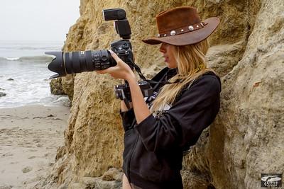 Goddess Shooting Stills & Video @ the Same Time with a Nikon D800E & Camcorder