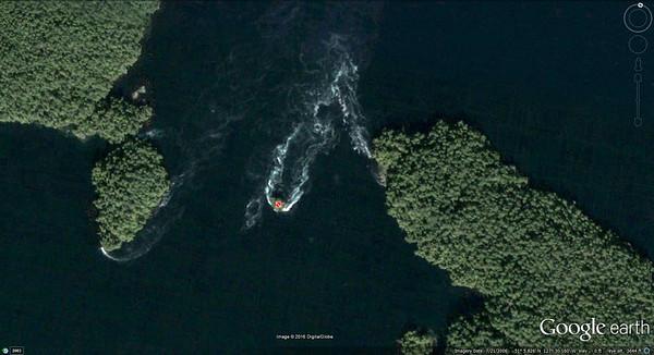 Nakwakto Rapids and Tremble Island dive site