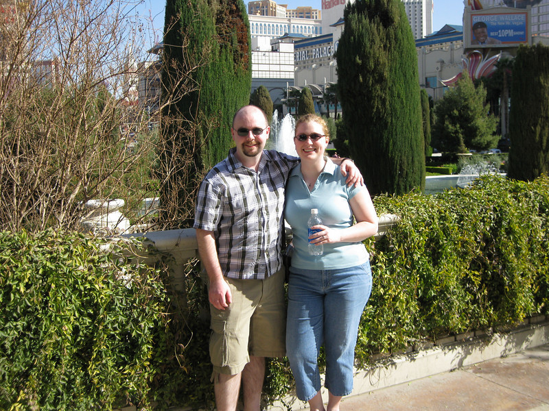 Stu and Meaghs at the gardens of Caesar's Palace