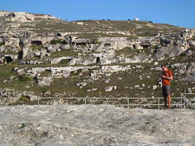 Caves across the Gravina