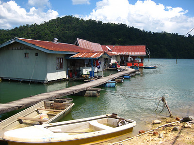 Floating Restaurant and store on Pulau Banding