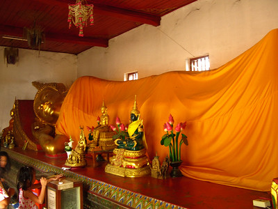 Reclining Buddha and fortune sticks
