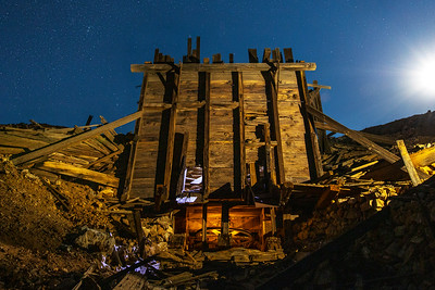 ⛏ Ore Bin Ruins Under a Nearly Full Moon ⛏