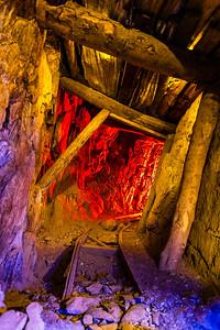 Miner 2020er. Light Painting Inside the Kentucky Mine.