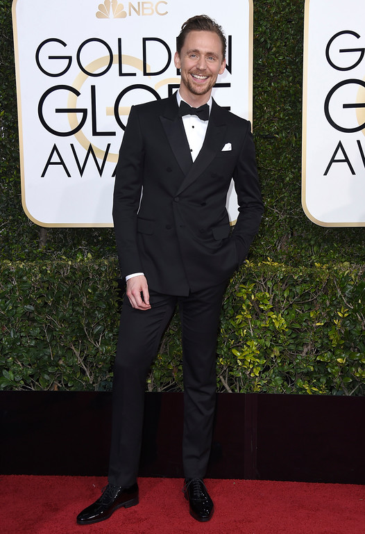 . Tom Hiddleston arrives at the 74th annual Golden Globe Awards at the Beverly Hilton Hotel on Sunday, Jan. 8, 2017, in Beverly Hills, Calif. (Photo by Jordan Strauss/Invision/AP)