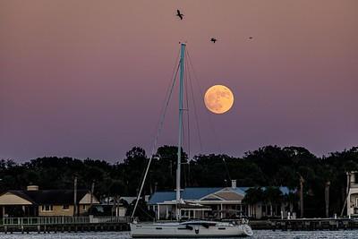 Moonrise over Matanzas Bay