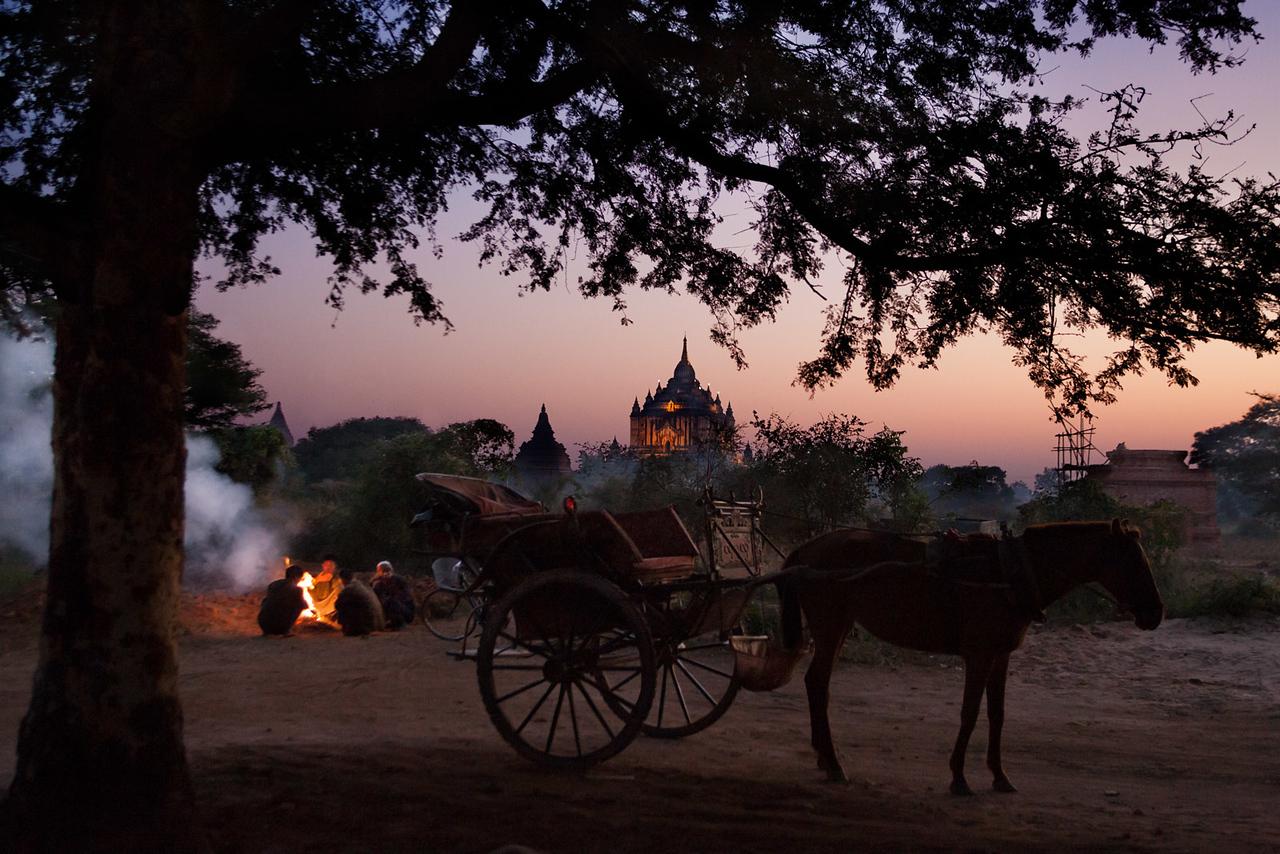 Evening. Bagan.