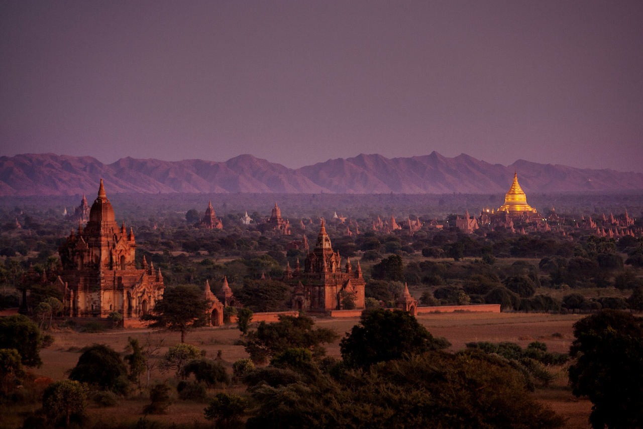 Night. Bagan.