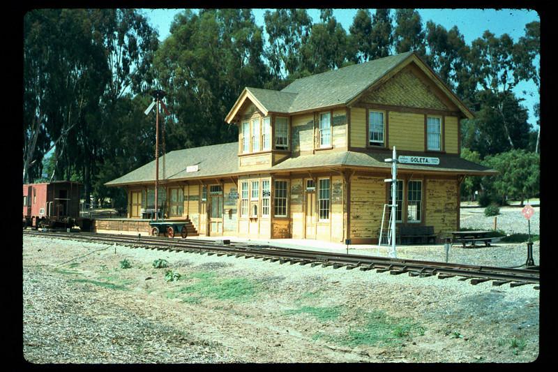 Goleta Depot gets a new coat of paint, 1992. acc2005.001.1620