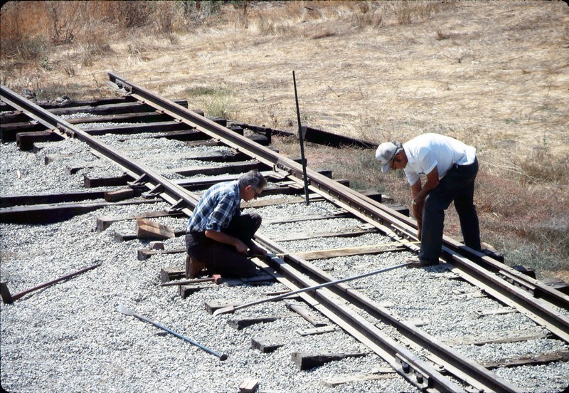 Standard-gauge track laying, 1985. acc2005.001.0541